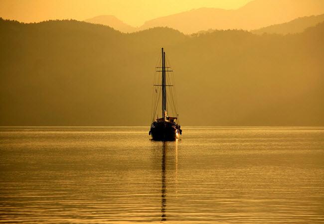 Golden sunrise in Selimiye